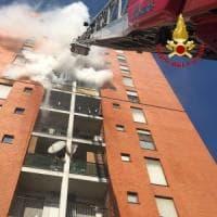 Milano, altri 5 indagati per l'incendio del palazzo in cui è morto il 13enne:
