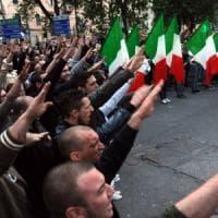 Saluto fascista, la Cassazione: