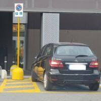"""Furbetti del parcheggio, nonno di una bimba disabile lancia il gruppo Fb """"Sofia non tace"""""""