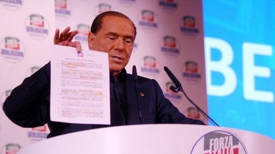 Milano, l'arringa infinita di Silvio Berlusconi che attacca tutti e promette referendum su presidenzialismo