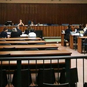 Tribunale di Milano: imputato colpisce un agente e cerca di prendergli la pistola