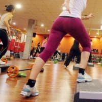Fitness in ufficio durante l'orario di lavoro: direttrice delle poste condannata a 4 mesi nel Cremonese