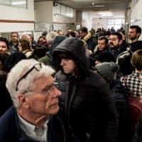 Regionali in Lombardia, code fino all'ultimo voto. Affluenza al 74%. Fontana verso la vittoria