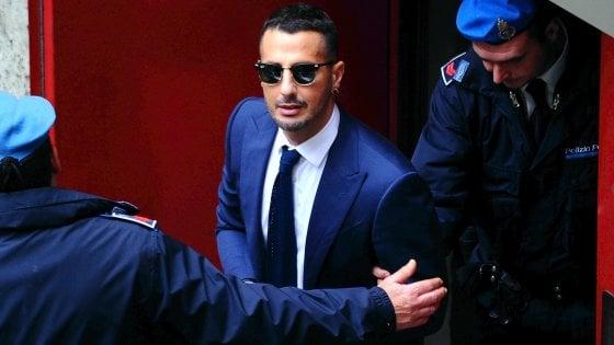 """Corona, il pg chiede che torni in carcere: """"Revocate l'istanza, ha postato un video rap su Facebook"""""""