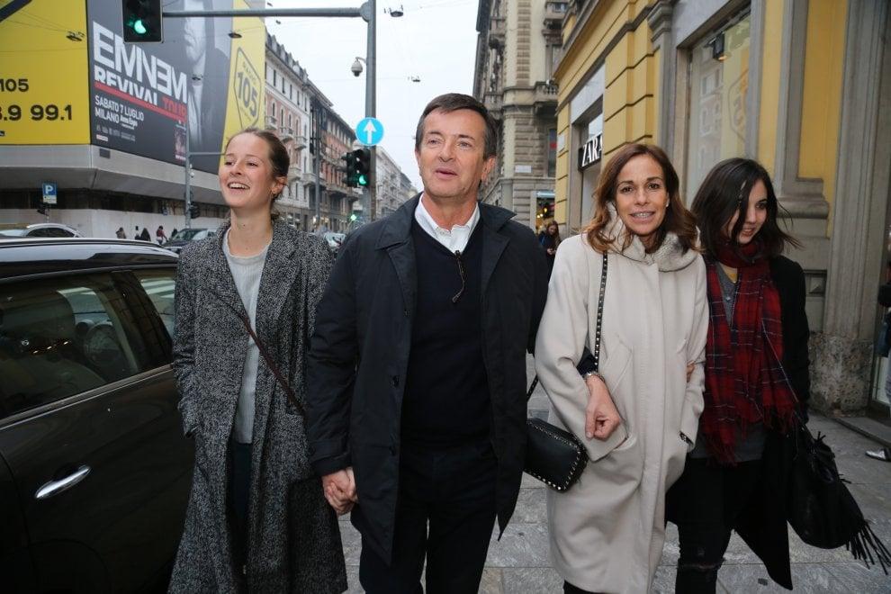 Elezioni Lombardia, Giorgio Gori con la moglie Cristina Parodi arriva nel comitato elettorale