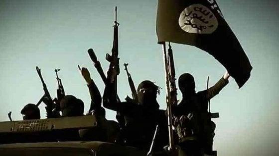 Terrorismo, video inneggianti all'Isis su Facebook: 35enne condannato a Milano