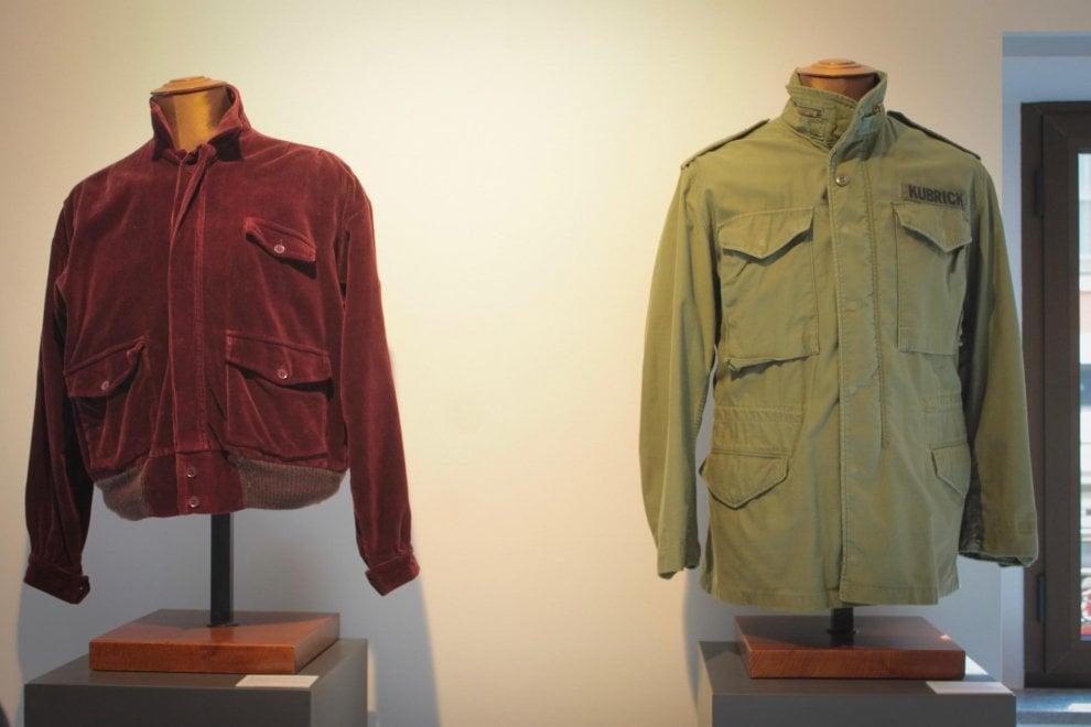 Milano, all'asta i cimeli Kubrick: c'è anche la giacca del protagonista di Shining