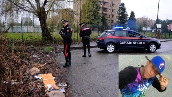 """Violenza sessuale a Milano, 25enne fermato dai carabinieri: """"Ricordo solo la rapina, ero drogato"""""""