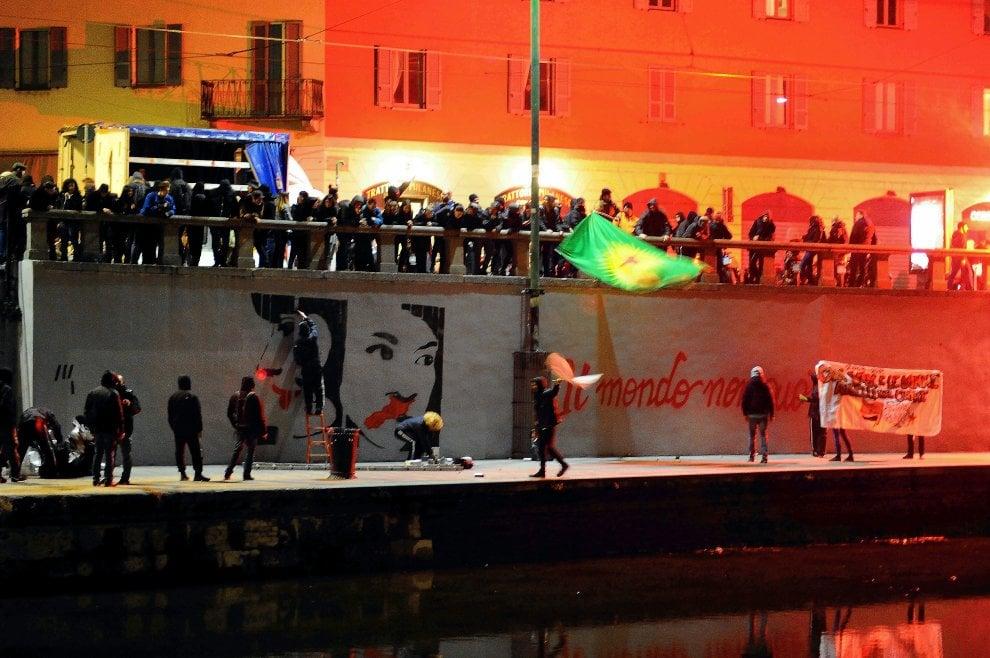 Corteo in memoria di Dax: in Darsena spuntano nuovi murales