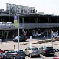 Detenuto aggredisce agente penitenziario all'aeroporto di Linate