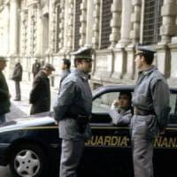 Tangenti sull'edilizia scolastica a Milano, patteggiano tre ex dipendenti