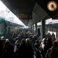 Milano, lo sciopero blocca Trenord al 100%. Su Twitter la frustrazione dei