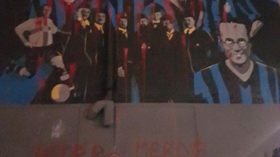 Milano, vandali imbrattano il murale per i 110 anni dell