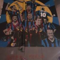 Milano, vandali imbrattano l'InterWall: vernice e contenitori di uova ai piedi del murale