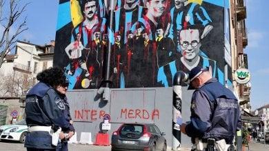 Vandali imbrattano il murale all'Isola  per i 110 anni dell'Inter: la fotodenuncia