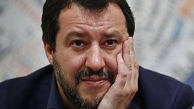 """""""E' razzista"""": gelataia si rifiuta di servire Salvini. Polemica Fb per il licenziamento"""