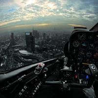 Milano vista dall'alto con gli occhi di chi la protegge: sembra New York