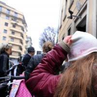 Milano, cede controsoffitto in una scuola elementare: 4 bambini leggermente feriti