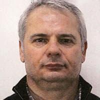 Uccide due imprenditori nel Bresciano: dopo la fuga si suicida in un parcheggio
