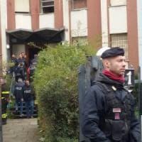Blitz all'alba in via Cavezzali a Milano, sgomberato il 'fortino della droga': 202 controllati e 43 denunciati