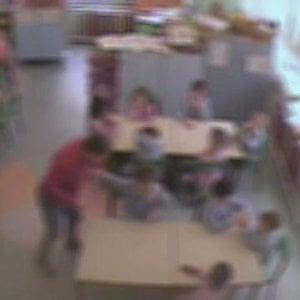 Varedo, schiaffi e strattonamenti ai bimbi dell'asilo: maestra ai domiciliari