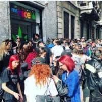 A Milano l'apertura del negozio