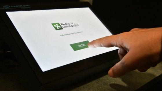"""Referendum Lombardia, i tablet della discordia hanno trovato casa: """"17mila nelle scuole"""""""