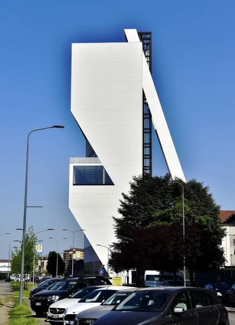 Fondazione prada ecco la torre di koolhaas sei piani di for Piani di casa torre