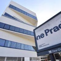 Fondazione Prada, apre la Torre di Koolhaas: 60 metri in vetro e cemento,