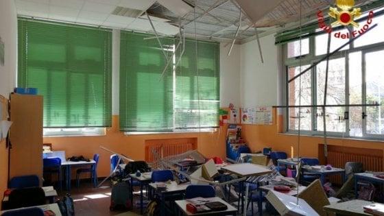 Busto Arsizio, crolla soffitto in classe: ferite quattro bambine di seconda elementare, non sono gravi