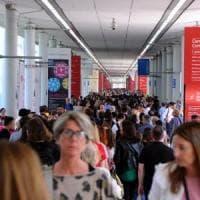 Milano, avanti c'è posto: il Salone del Mobile apre al pubblico