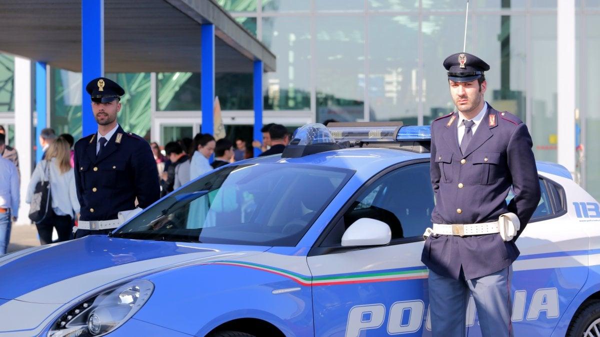 Salone del mobile la polizia contro furti e scippi a rho - Salone del mobile torino ...