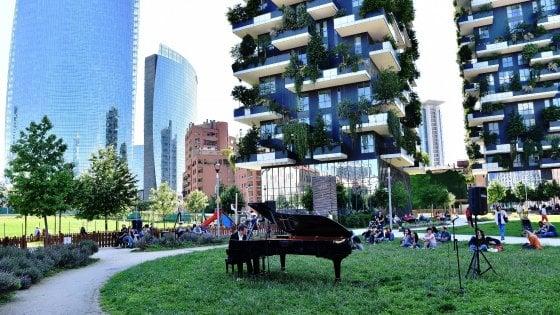 Milano Piano City, per la settima edizione 450 eventi: concerti all'alba, nuove sedi e il ritorno di Capossela