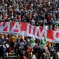 25 aprile a Milano: bandiere, volti e politici. I momenti clou della giornata