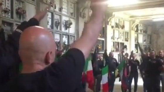 25 Aprile, la provocazione neofascista: saluti romani al cim