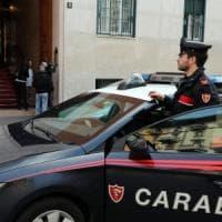 Milano, due rapinatori e una notte da incubo: ucciso un ragazzo, accoltellati studentessa e 2 uomini