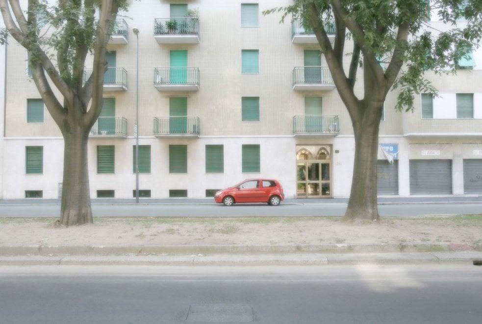 Il deserto della Milano a Ferragosto negli scatti in mostra al Photofestival