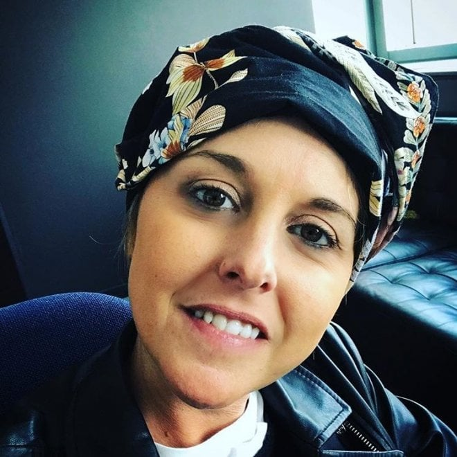 """Nadia Toffa su Instagram mostra la fascia per coprire la testa: """"Datemi consigli"""""""