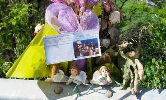 Sciacalli sull'A21, rubati gli angioletti in ricordo della famiglia francese morta nel rogo: gara di solidarietà per ricomprarli