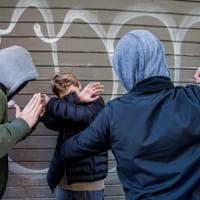Bergamo, atti di bullismo a scuola su un disabile: arrestati due sedicenni.