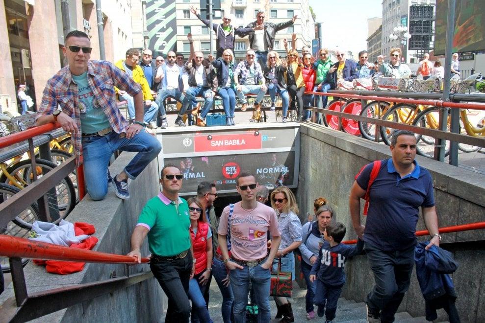 Milano, annuale raduno in centro degli ex paninari ormai 50enni