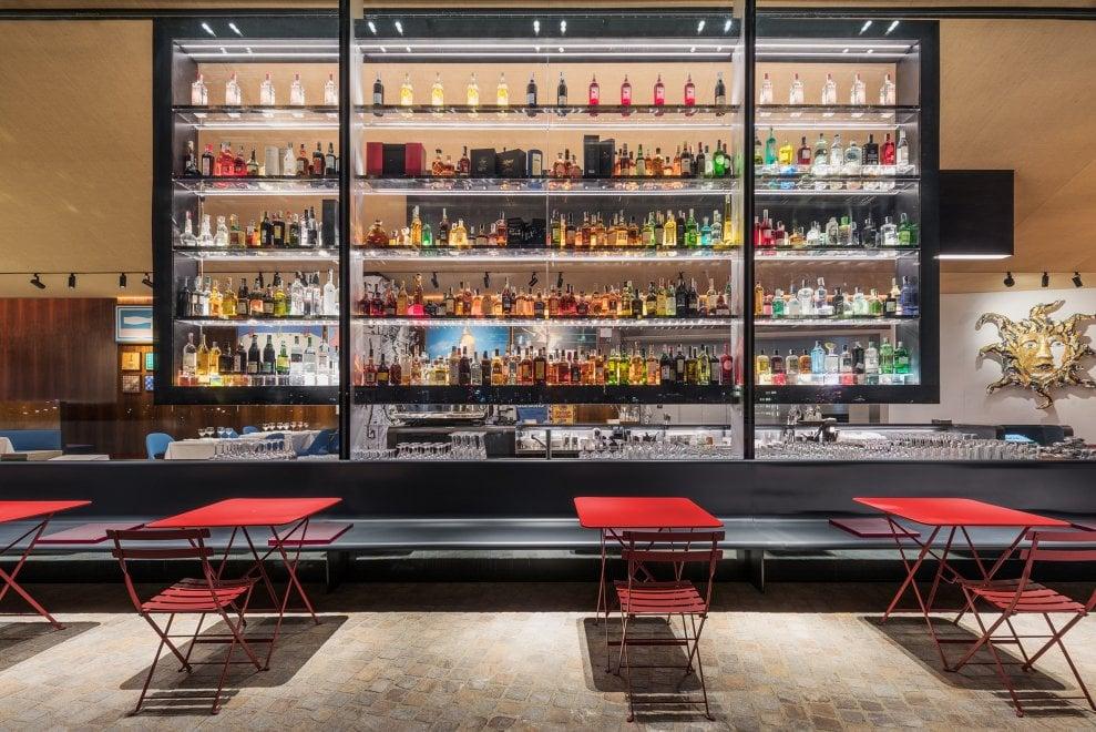A cena con l'arte, nella torre di Koolhaas apre il ristorante della Fondazione Prada