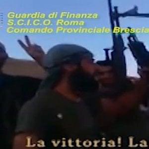 """Blitz con 12 arresti da Brescia a Cagliari. Il giudice: """"Al-Nusra finanziata con il traffico dei migranti"""""""