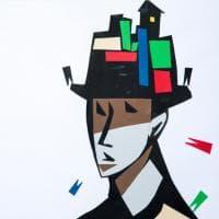 Milano, l'artista non vedente che 'disegna' con i cartoncini