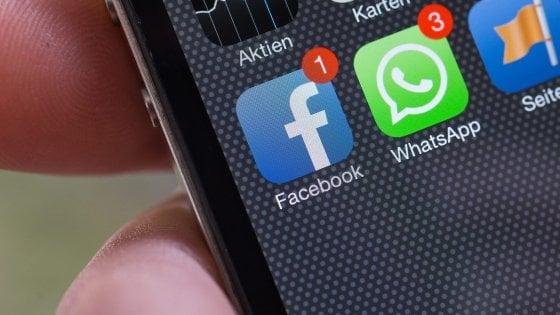 Dito medio ai carabinieri su WhatsApp, 17enne di Monza rischia multa fino a 5mila euro