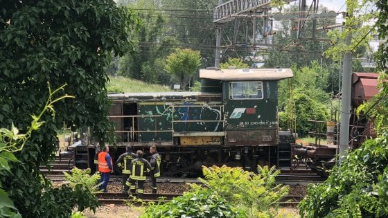 Lodi, locomotore esce dai binari: circolazione bloccata per ore sulla Milano-Piacenza