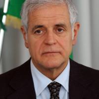Formigoni, la procura di Cremona chiede il processo: sotto accusa per tangenti nella sanità