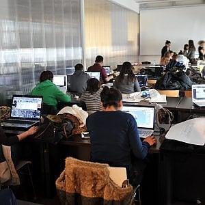 """Studenti in campo contro bullismo e cyberbullismo: nasce """"Hackaton"""", la maratona per il rispetto in rete"""