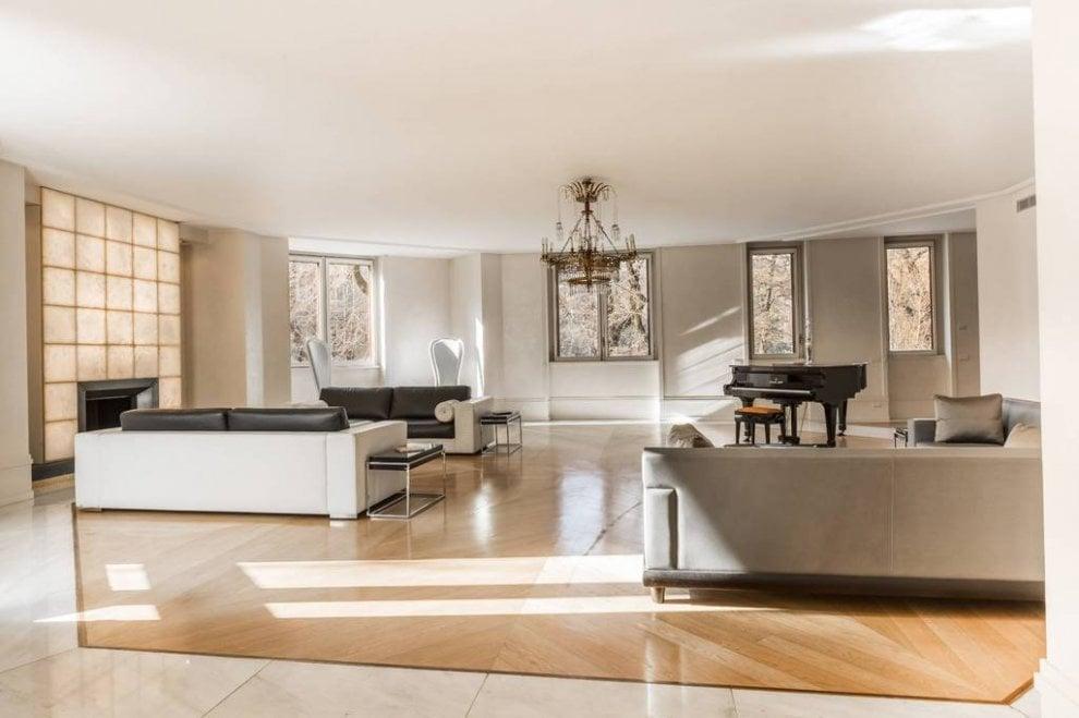 Milano, villa Versace in vendita al ribasso: 33 milioni per 15 ...