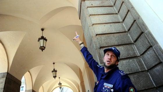 Scala, crollano calcinacci: chiuso il porticato del Piermarini